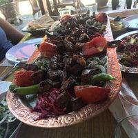 Photo taken at Eski Tabakhane Ciğercisi Yener Usta by ENGİN C. on 6/26/2017