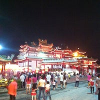 Photo taken at Thean Hou Temple (天后宫) by Raymond S. on 2/23/2013