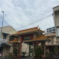 Photo taken at Malacca Hakka Community Society马六甲客家公会 by Raymond S. on 7/6/2016
