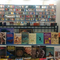 3/16/2013 tarihinde Tuce B.ziyaretçi tarafından Tivoli Kitabevi'de çekilen fotoğraf