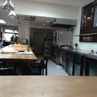 Photo prise au Caffé Al Dente par Gregg T. le5/25/2013