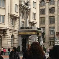 Photo taken at Hotel Carlton by Jose Antonio L. on 3/30/2013