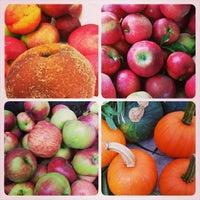 Photo taken at Poe Park Greenmarket by Lau R. on 9/9/2014