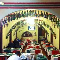 Foto tirada no(a) Piolin Cantina e Pizzaria por Amanda Z. em 8/18/2013
