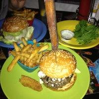 Photo prise au Hamburger Mary's par Megan B. le12/9/2012