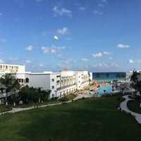 Photo taken at The Royal Resort by Sigalle B. on 12/11/2014