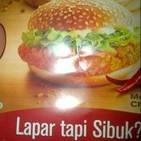 Photo taken at McDonald's by Farida C. on 4/5/2013
