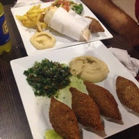 Photo taken at Arabito - Shawarma y Parrillada by Prixi B. on 1/25/2014
