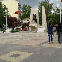 5/13/2013 tarihinde berber ishak ç.ziyaretçi tarafından Çınar Meydanı'de çekilen fotoğraf