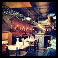 Das Foto wurde bei Insomnia Restaurant and Lounge von Caroline C. am 3/16/2013 aufgenommen