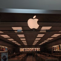 Photo taken at Apple Florida Mall by Alex G. on 7/27/2013
