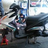 Photo taken at Depo Waroeng Ban by hery r. on 3/30/2014