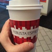 Снимок сделан в Robusta Espresso Bar пользователем Derek I. 1/15/2016
