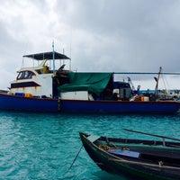 Photo taken at Retreat Rasdhoo Maldives by Margarita on 10/2/2014
