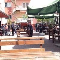 4/27/2014 tarihinde Muzaffer K.ziyaretçi tarafından Piraye Cafe'de çekilen fotoğraf