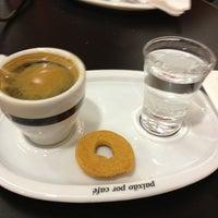 Foto tirada no(a) Café do Ponto por Rubens C. em 4/4/2013