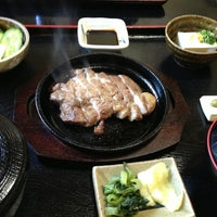 Photo taken at うなぎ 一力本舗 by tomoo1964 on 2/15/2013