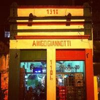 Foto tirada no(a) Bar Amigo Giannotti por Henrique F. em 8/18/2013