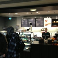 Foto tomada en Starbucks por Sander d. el 4/4/2013
