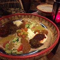 รูปภาพถ่ายที่ Abyssinia Afrikaans Eetcafe โดย Isabelle H. เมื่อ 1/11/2014
