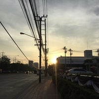 Photo taken at Chaeng Watthana Road by PARRn on 1/12/2017