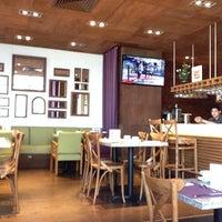 Foto tomada en Restaurante Liverpool por Juan Luis V. el 12/25/2013