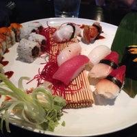 Foto diambil di Runa Japanese Restaurant oleh Swan D. pada 7/8/2016
