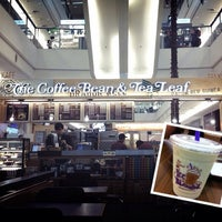 Foto tomada en The Coffee Bean & Tea Leaf  por Harmonie W. el 3/12/2013