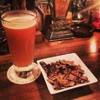 Photo prise au BEER DINING The Griffon par atsushi69 b. le9/21/2013