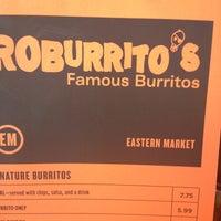 รูปภาพถ่ายที่ Roburrito's EM โดย Kristy R. เมื่อ 5/16/2013