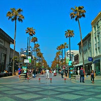 Photo prise au Third Street Promenade par Kiat 明. le3/29/2013