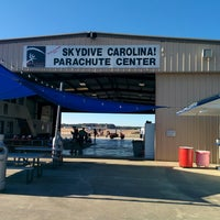 Photo taken at Skydive Carolina by Kiat 明. on 11/28/2014
