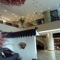 Das Foto wurde bei 银都酒店 Yindu Hotel von Alan W. am 3/15/2013 aufgenommen