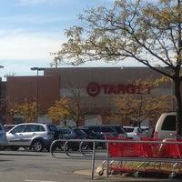 Foto tirada no(a) Target por Susan 🌺☕️💊 M. em 10/17/2012
