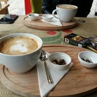 รูปภาพถ่ายที่ Eagle's Coffee โดย Timuçin P. เมื่อ 4/19/2015