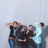 Photo taken at Shutterplace Studio by Fakhrul H. on 8/23/2014