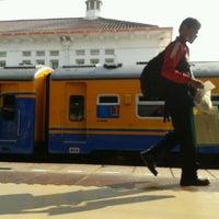 Photo taken at Stasiun Jatinegara by Jatmiko &. on 8/2/2013