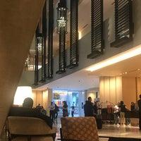 Photo prise au Hyatt Regency Club Lounge par Karla P. le7/25/2018