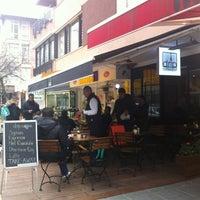 3/22/2013 tarihinde Adnan S.ziyaretçi tarafından drip coffee | ist'de çekilen fotoğraf