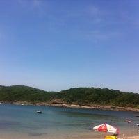 Foto tirada no(a) Praia do Forno por Ju V. em 12/26/2012