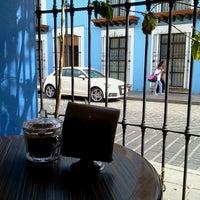 Foto tomada en Cafe Nuevo Mundo por Carolina P. Luna el 3/27/2013