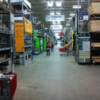 Photo taken at Lowe's Home Improvement by Luis M. on 6/1/2013