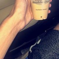 Photo taken at Starbucks Aljabriya by مَاجد on 9/30/2018