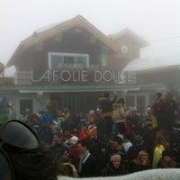 Photo taken at Carre VIP Folie Douce De Meribel by Pierre A. R. on 3/13/2013