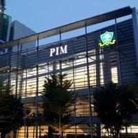 Photo taken at สถาบันการจัดการปัญญาภิวัฒน์ (PIM) Panyapiwat Institute of Management by Oak K. on 10/27/2013