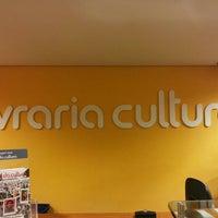 Foto tirada no(a) Livraria Cultura por 1Bando C. em 7/4/2013