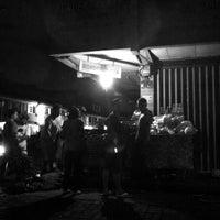 Photo taken at Nasi Jinggo Diponegoro by Ngurah P. on 11/11/2013