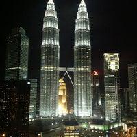 Снимок сделан в Traders Hotel пользователем Daniel M. 11/23/2012