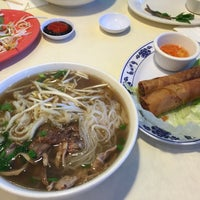 Photo taken at Pho Que Huong by Elaine N. on 12/24/2015