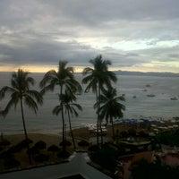 Foto scattata a Emperador Hotel & Suites da Halan C.C. il 12/29/2013